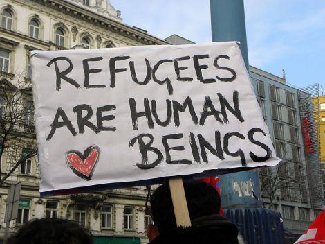 800px-2013-02-16_-_Wien_-_Demo_Gleiche_Rechte_für_alle_(Refugee-Solidaritätsdemo)_-_Refugees_are_human_beings