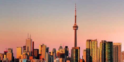 Toronto_skyline_@_sunset_(HDR)